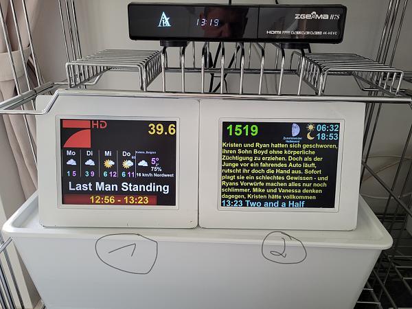 3 x Samsung LCD4LINUX Displays-1_2_b_.jpg